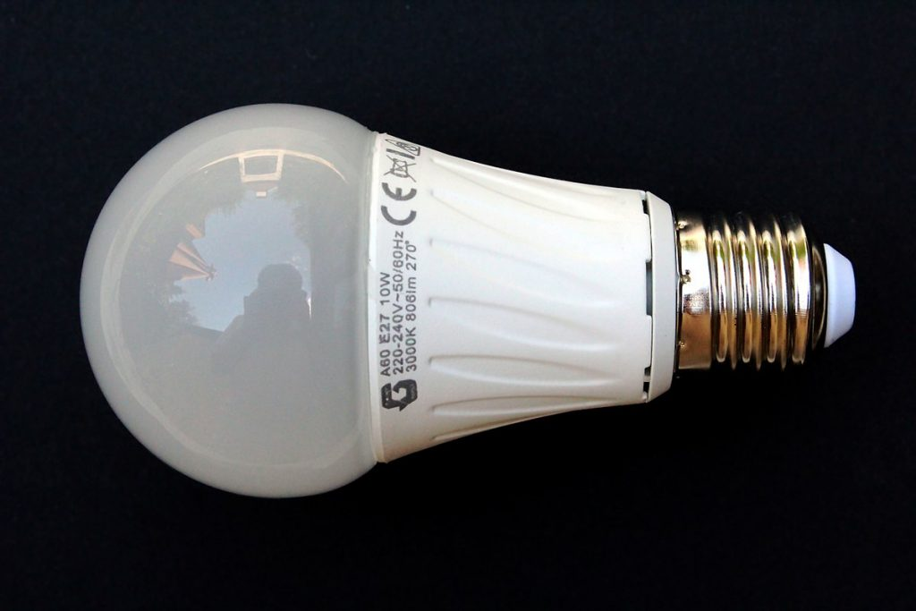 What Are the Benefits of Replacing Your Ordinary Bulbs with LEDs