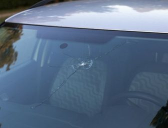 Why Should you fix your cracked windscreen?